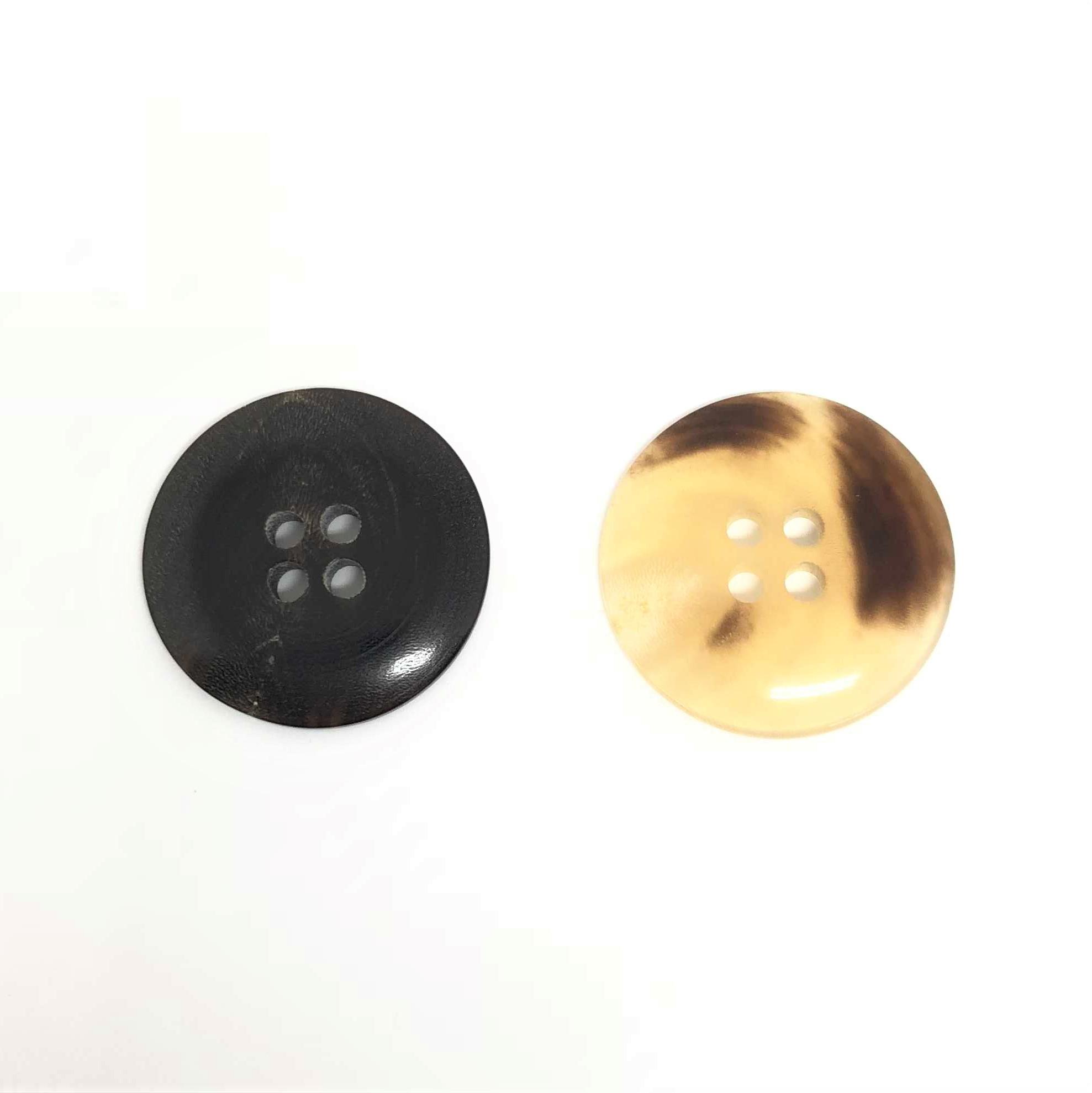 TGH1012 オリジナル水牛四つ穴ボタン オークラ商事 - ApparelX アパレル資材卸通販