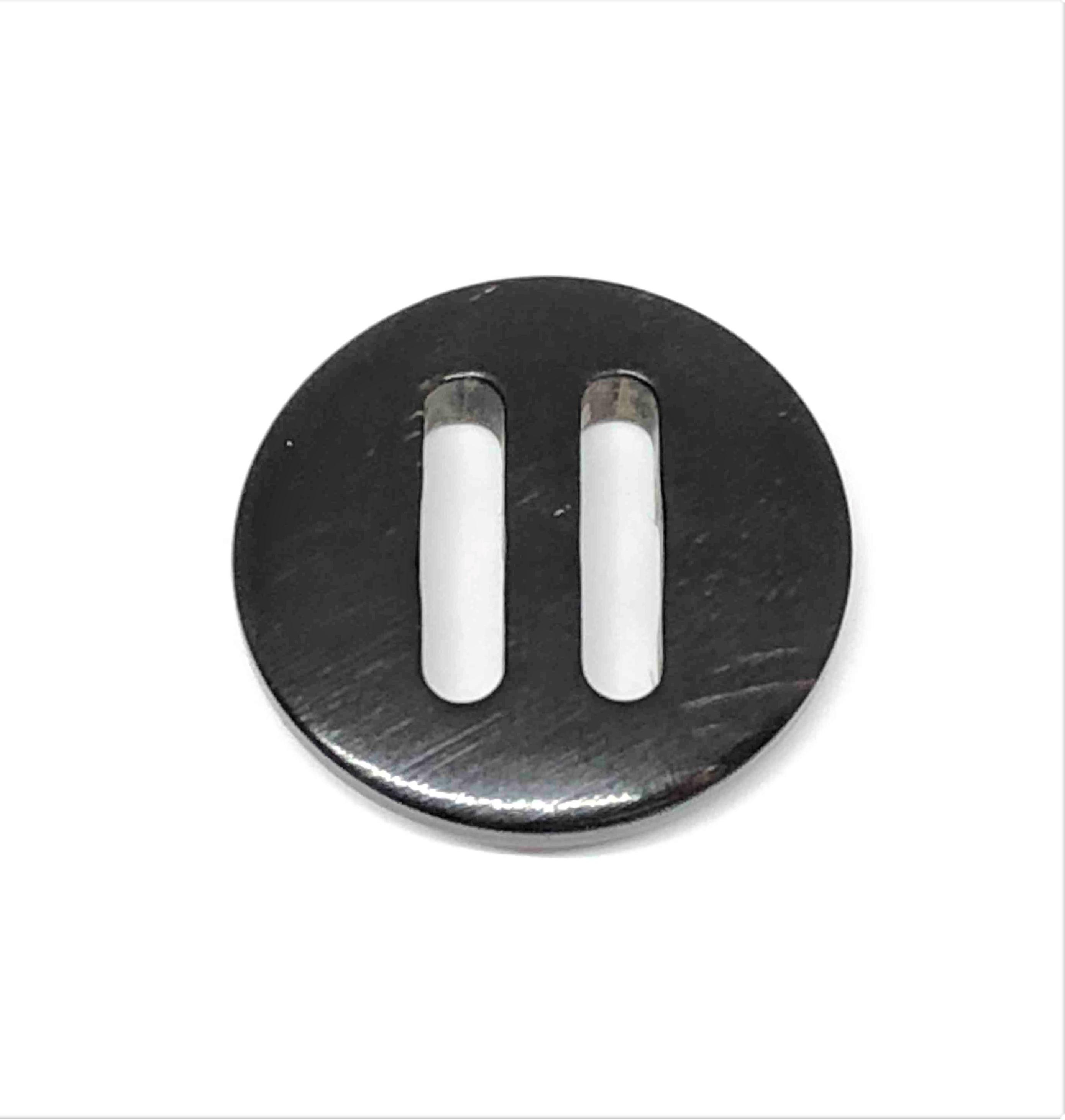 TGH-1002 オリジナル パラシュート水牛ボタン オークラ商事 - ApparelX アパレル資材卸通販