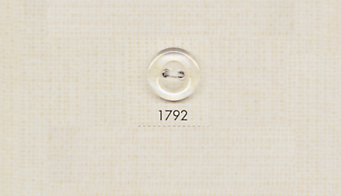 1792 DAIYA BUTTONS 二つ穴ポリエステルクリアボタン 大阪プラスチック工業(DAIYA BUTTON)/オークラ商事 - ApparelX アパレル資材卸通販